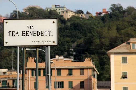 L'altra metà del cielo per le vie di Genova