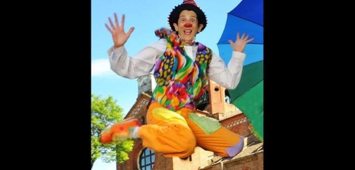 Clown-Revolution-Ginevra-Sanguigno-Gin-clown-jump-TeatroOutOff-2016-1
