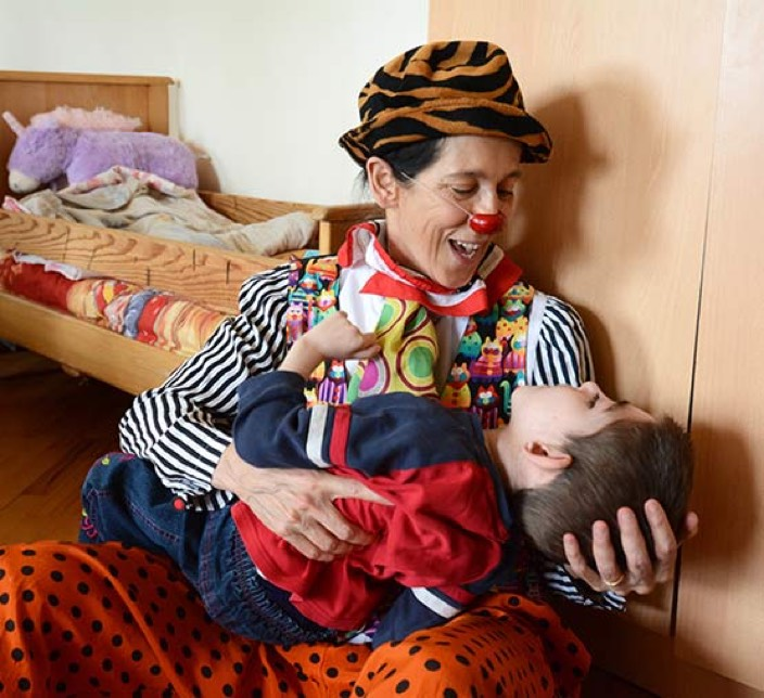 caring-clown