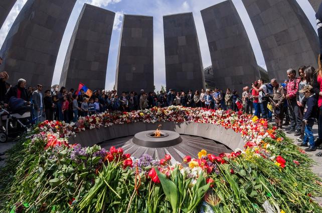 yerevan-memoriale-genocidio-armeno-shutterstock_272679371