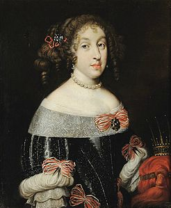 Marguerite_Louise_d'Orléans_as_Grand_Duchess_of_Tuscany_with_the_Tuscan_grand_ducal_crown_(Florentine_school)