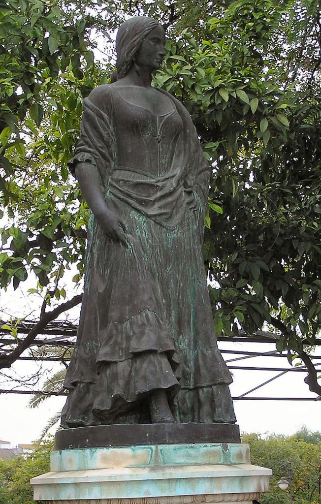 10.Carmen.statua